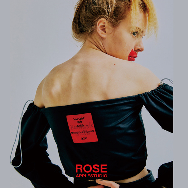 [로즈애플:ROSEAPPLE] STRING OFF SHOULDER - BLACK