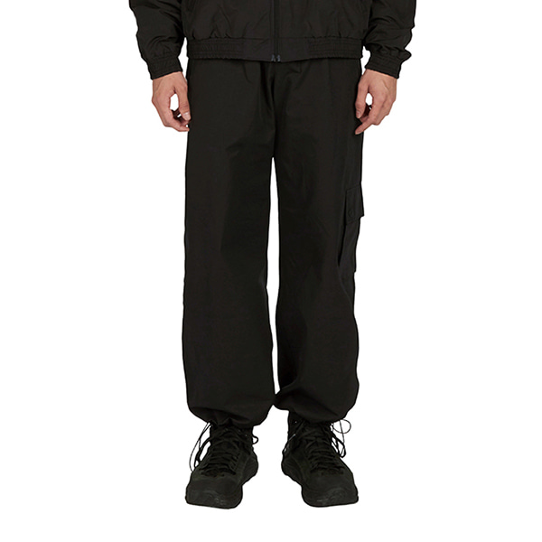[노패스트노퓨쳐:nopastnofuture] Point Pocket Cargo Pants - Black