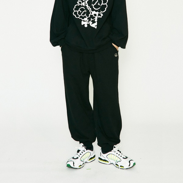 [컨츄리파우더:countrypowder] WIDE HEAVY SWEATPANTS (BLACK)