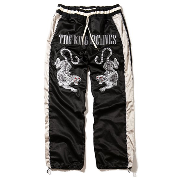 [킹아카이브:KING-ARCHIVES] Sukajan Pants (Black)