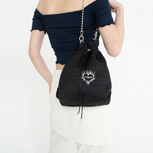 [셋업이엑스이:SETUP-EXE] Ball chain bucket Bag - black
